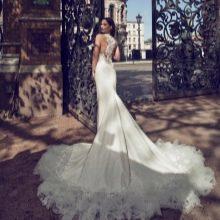 Свадебное платье с длинным шлейфом 2016