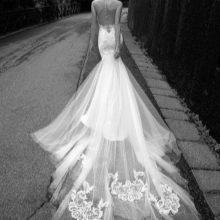 Свадебное платье со шлейфом и и кружевом 2016 от Alessandra Rinaudo