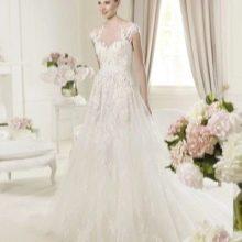 Свадебное платье из коллекции 2014 от Эли Сааба закрытое