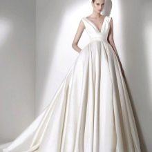 Свадебное платье из коллекции 2015 от Эли Сааба а-силуэта