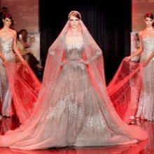 Себеристое свадебное платье от Эли Сааба
