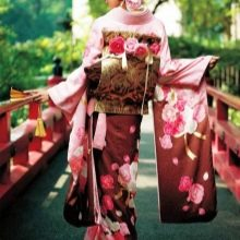 Красное японское свадебное платье