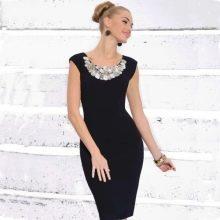 Короткое черное вечернее платье с украшениями