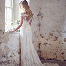 Свадебное платье от Anna Campbell с жемчугом
