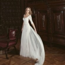 Свадебное платье от Ange Etoiles со шлейфом