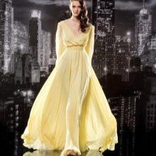 Вечернее платье а-силуэта с длинным рукавом