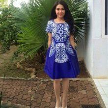 Синее платье из полиэстера с принтом на осенне-весенний период