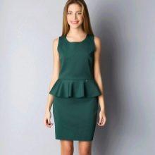 Темно-зеленое платье с баской