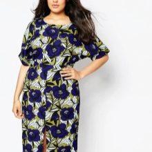 Платье с цветочным рисунком для полных
