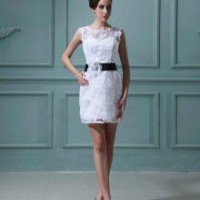 Короткое свадебное платье футляр из кружева