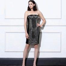 Платье без бретелей футляр