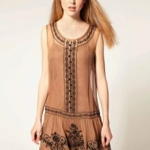 Прямое платье с заниженной талией