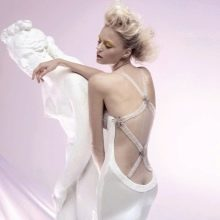 Платье атласное с открытой спиной