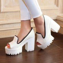 Популярными моделями являются туфли на платформе с каблуком шпилькой или  широким каблуком с открытым носом. 25b5ed9e6475f