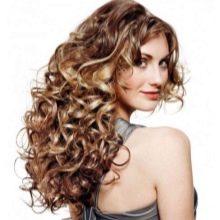Вертикальные кудри на средние волосы
