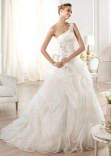 Свадебное платье длинное и пышное