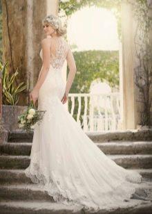 Удлиненное сзади свадебное платье