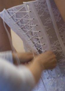 Свадебный корсет на люверсах
