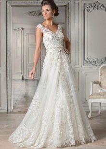 Свадебное платье с элегантными бретелями