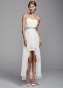 Короткое свадебное платье, удлиняющее фигуру