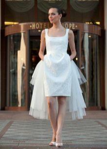 Квадратный вырез короткого свадебного платья