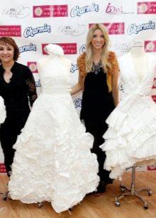 Красивое свадебное платье из бумаги