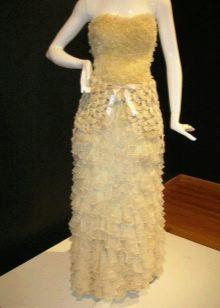 прямое свадебное платье из презервативов