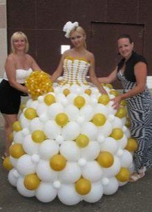 Воздушное свадебное платье из шариков