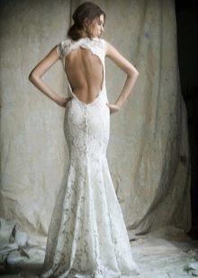 Вырез на спине свадебного платья