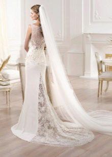 Вариативность кружевных свадебных платьев