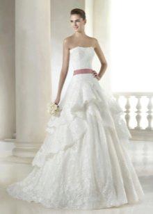 Свадебное длинное платье кружевное А-силуета