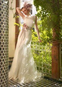 Прямой кружевной фасон свадебного платья