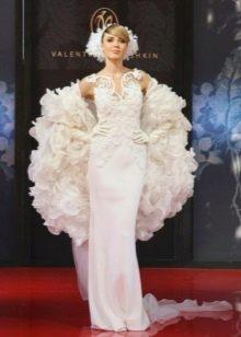 Свадебное платье от Юдашкина на показе мод