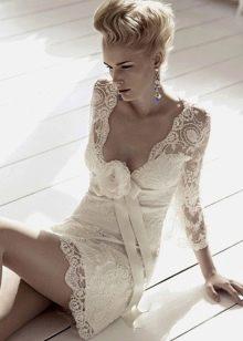 соблазнительное короткое кружевное свадебное платье