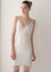 Короткое свадебное платье с заколкой