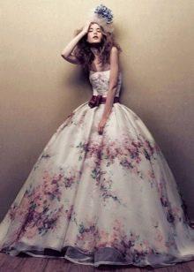 Цветастое свадебное платье