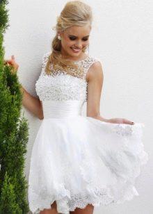 Короткое пышное пляжное свадебное платье