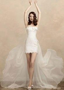 Свадебное платье футляр со шлейфом