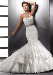 Свадебное платье русалка с горизонтальными воланами