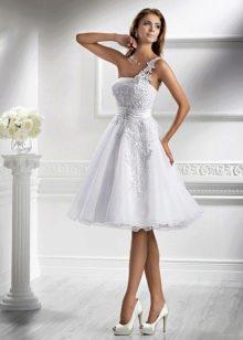 Высокие каблуки для низких невест