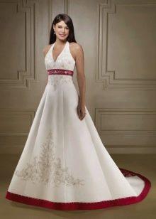 Свадебное платье с красной лентой А-силуэта