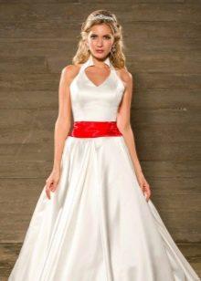 Свадебное платье А-силуэта с лентой