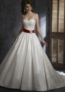 А-образный силуэт свадебного платья