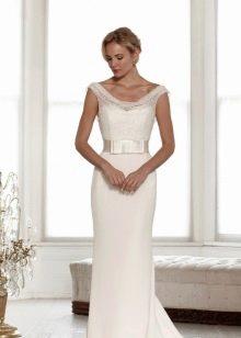 Прямое свадебное платье с ажурным верхом