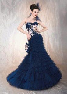 Кружевная аппликация на синем свадебном платье