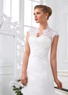 Ажурное болеро на свадебном платье, застегивающееся сзади