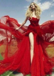 Красное свадебное платье для второго брака