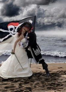 Свадебное платье в пиратском стиле