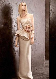 Свадебное платье кремовое с баской
