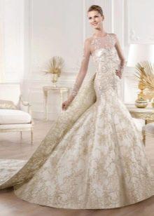Свадебное платье в стиле русалка со съемным шлейфом